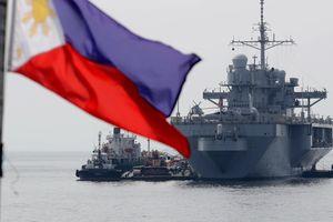 Bộ trưởng Quốc phòng Philippines chỉ trích TQ ở biển Đông