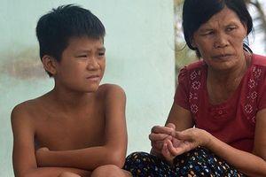 5 ngư dân Quảng Bình mất tích khi trú bão: Gia đình tuyệt vọng lập bàn thờ