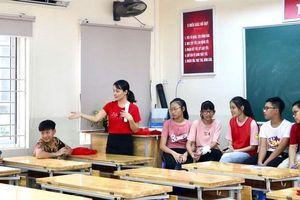 Sẽ xét tuyển gần 800 giáo viên có hợp đồng trên 5 năm