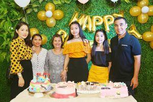 Hồ Lệ Thu cùng Quyền Lộc làm sinh nhật bí mật cho MC Quyền Linh