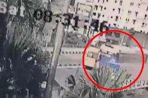Clip: Khoảnh khắc xe khách 45 chỗ mất lái, gây tạn nạn kinh hoàng trên cầu Bãi Cháy