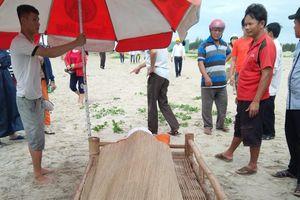 Thi thể nam sinh đuối nước ở biển Đà Nẵng trôi dạt vào Quảng Nam