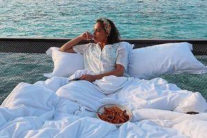 Chi 400 USD/đêm ngủ giữa đại dương, ngắm bình minh ở Maldives