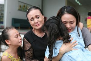 'Hoa hồng trên ngực trái': Bi kịch gia đình thời hiện đại