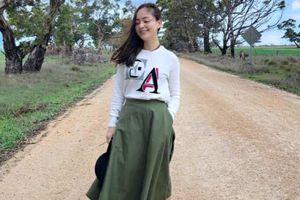 Mẫu váy 'thần thánh' giúp diễn viên Lan Phương trẻ trung, xinh đẹp mọi lúc