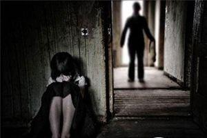 Khởi tố người đàn ông 67 tuổi dâm ô bé gái 7 tuổi