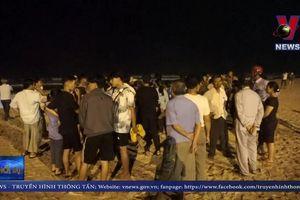 2 nam sinh mất tích khi tắm biển