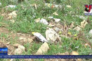 Báo động rác thải nhựa ở vùng cao