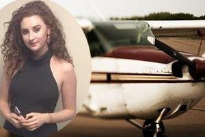 Cãi nhau với cha mẹ, nữ sinh xinh đẹp nhảy khỏi… máy bay