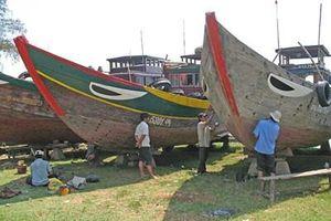 Đồng hành cùng ngư dân vươn khơi, bám biển