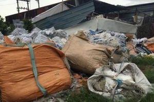 Kiến An - Hải Phòng: Rác thải chất đống trên đường Trang Đồng Tử