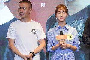 Vu Chính khuyên Ngô Cẩn Ngôn cứ vui vẻ đóng phim 'Hạnh phúc tới gõ cửa' cùng với Nhiếp Viễn dù fan phản đối