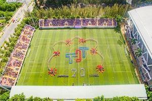 Cận cảnh SVĐ đạt chuẩn quốc tế của trường ĐH Tôn Đức Thắng, địa điểm 'hót hòn họt' vừa được HLV Park Hang Seo ghé thăm