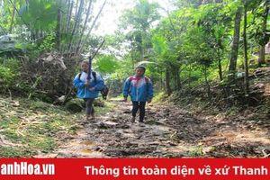 Hàng chục học sinh xã Quang Hiến (Lang Chánh) được hỗ trợ từ các nhà hảo tâm