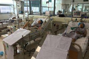 Máy chạy thận gặp sự cố, 2 bệnh nhân sốc nhiễm khuẩn xin chuyển viện