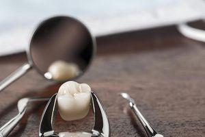Bác sĩ cũng sốc: Lấy ra 526 chiếc răng từ miệng cậu bé Ấn Độ