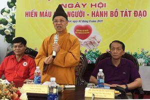 Gần 500 tăng ni sinh Học viên Phật giáo Việt Nam tham gia hiến máu cứu người