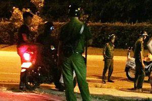 Cảnh sát nổ súng khống chế nhóm người quậy phá ở Phú Quốc
