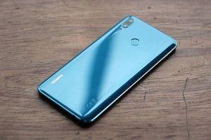 7 mẫu điện thoại bất ngờ giảm giá mạnh trong mùa tựu trường