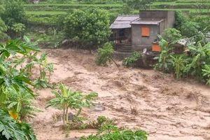 Thanh Hóa: Lũ lớn, nhiều xã miền núi bị cô lập, 14 người mất tích