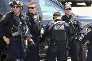'Thanh niên rắc rối' bắn AK-47 giết 20 người gây rúng động Mỹ