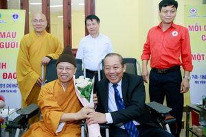 Phó Thủ tướng Trương Hòa Bình dự ngày hội hiến máu ở Học viện Phật giáo
