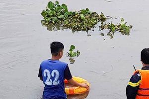 Một thanh niên nghi bị ngáo đá nhảy xuống sông Maspéro 'mất tích'