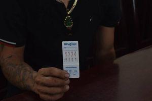 Kiểm tra lái xe ô tô đầu kéo nghi 'ngáo đá', phát hiện dương tính ma túy