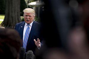Áp thêm thuế với Trung Quốc, ông Trump chống lại nhóm cố vấn