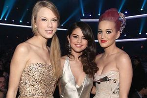 Taylor Swift lập tam ca cùng Selena Gomez và Katy Perry