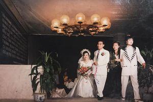 Đám cưới Rich kid thời xưa: Cô dâu thay 3,4 bộ váy, đặc biệt nhất là dàn...'siêu xe'