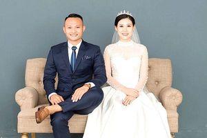 Sáng sớm, Trọng Hoàng đã lãng mạn hát tặng vợ trong ngày sinh nhật
