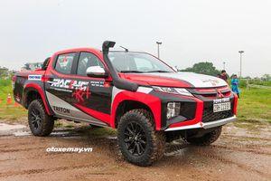 Cận cảnh chiếc xe Triton mà RacingAKA sẽ sử dụng tại giải Asia Cross Country Rally