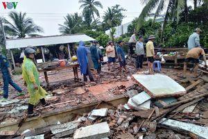Mưa dông, lốc xoáy làm sập và tốc mái 194 căn nhà ở Sóc Trăng