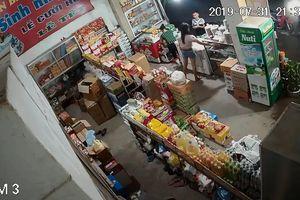 Truy tìm đôi 'vợ chồng' chuyên trộm cắp tài sản