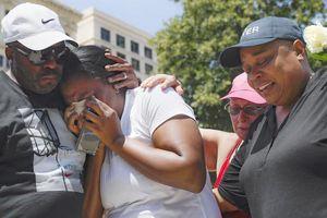 Nước Mỹ chìm trong nỗi lo bạo lực súng đạn