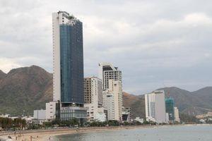 Cao ốc, khách sạn chọc trời đua nhau 'che' mặt biển Nha Trang