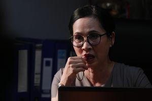 'Mẹ chồng khó tính' Lan Hương hóa thân thành một trưởng phòng không mấy dễ chịu