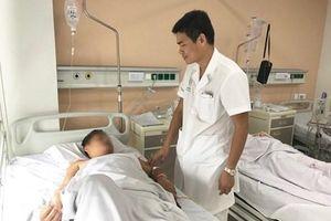 Hà Nội: Bệnh nhân 38 tuổi bị thủng ruột thừa do nuốt tăm xỉa răng