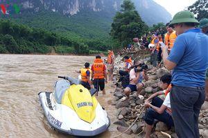 Thanh Hóa tích cực tìm kiếm người mất tích, hỗ trợ người dân vùng lũ