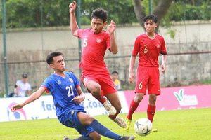 Giải vô địch U-18 Đông Nam Á: Mưa trời và 'mưa gôn'