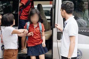 Cháu bé bị bỏ quên trên xe bus: Ai chịu trách nhiệm?