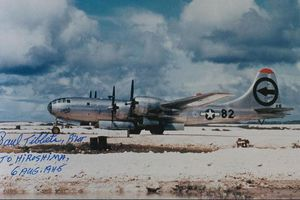 Kí ức Hiroshima và chiếc máy bay reo rắc thảm họa bom nguyên tử