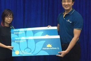 Sở Du lịch TP.HCM trao vé khứ hồi cho gia đình cụ ông bị lấy 2,9 triệu