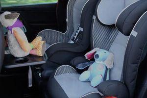 Tác hại của việc bỏ quên trẻ em trong ô tô và cách phòng tránh