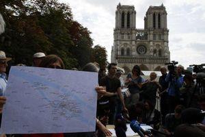 Trẻ em Paris có nguy cơ nhiễm độc chì vì vụ cháy Nhà thờ Đức Bà