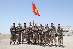 Đội tuyển kíp xe trinh sát VN thi đấu quả cảm trên 'chảo lửa' Korla