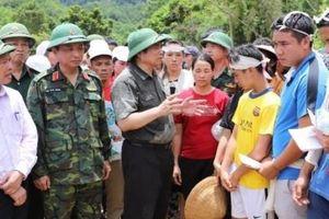 Trưởng Ban Tổ chức Trung ương Phạm Minh Chính kiểm tra công tác khắc phục hậu quả mưa lũ tại Sa Ná.