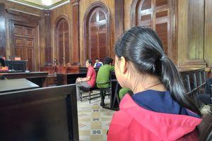 Nước mắt chốn pháp đình: Ngày con gái chờ gặp cha