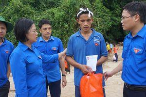 T.Ư Đoàn hỗ trợ người dân vùng lũ tại Thanh Hóa